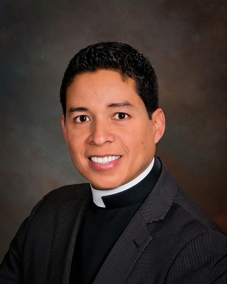 Photo of Fr. Mario Castaneda